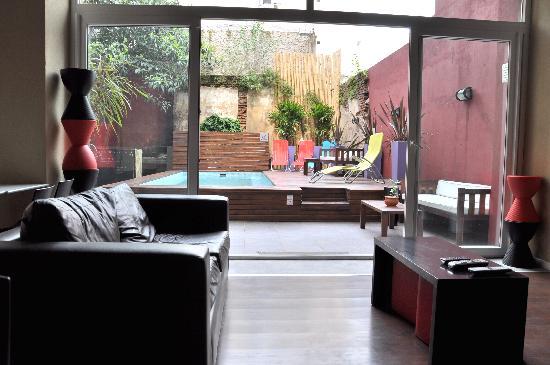Circus Hostel & Hotel: livingroom