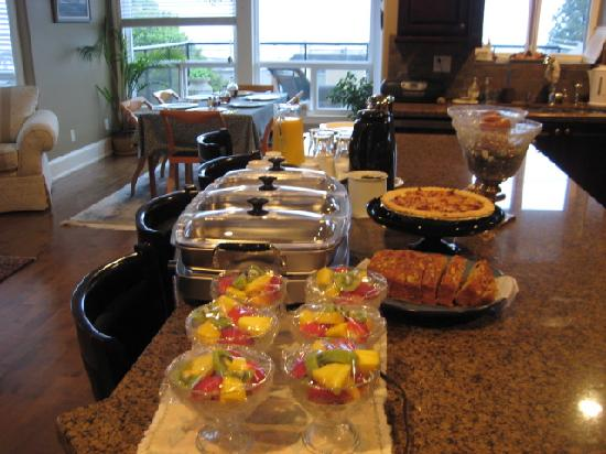 Christines Bed & Breakfast: BUFFET BREAKFASTS