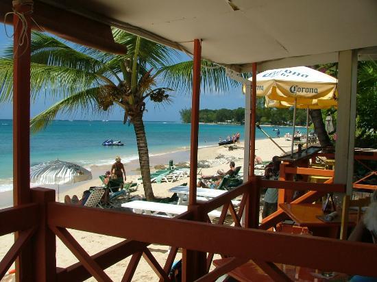 Zaccios : view if beach from restaurant