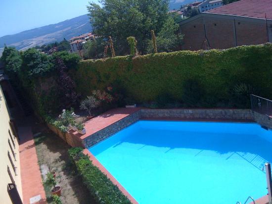 San Lino: piscina dalla camera