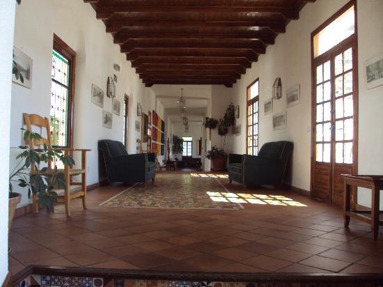 Hotel Villa de Priego de Córdoba: pasillo principal