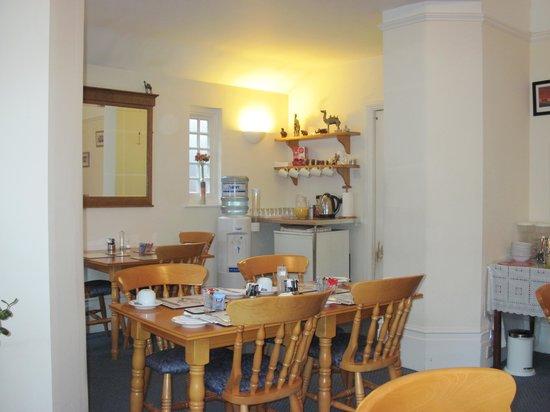Gatwick Turret Guest House: La sala per la colazione