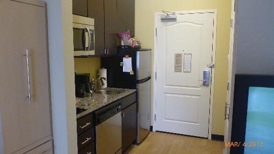 TownePlace Suites Nashville Airport : kitchen area