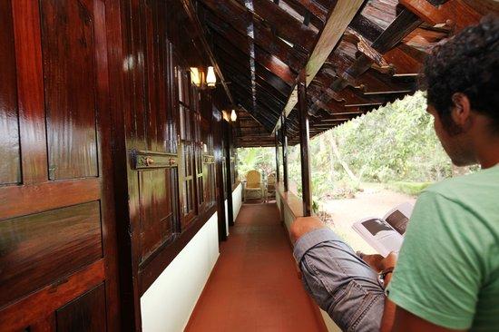 The Pamba Heritage Villa: Veranda