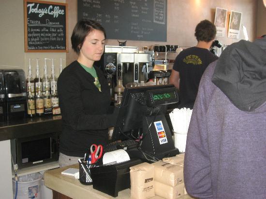 Bru Coffeehouse: cashier taking an order