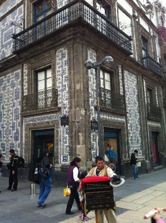 Foto de centro hist rico de la ciudad de m xico ciudad de for Casa de los azulejos centro historico