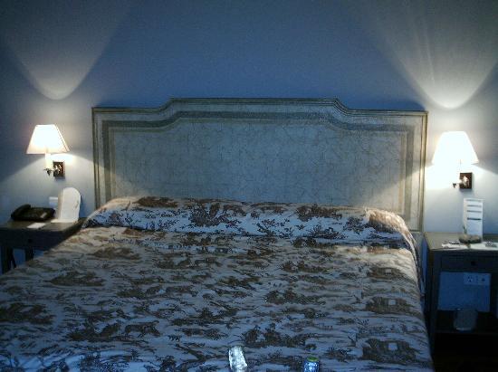Balneario de Mondariz: habitacion, cama.