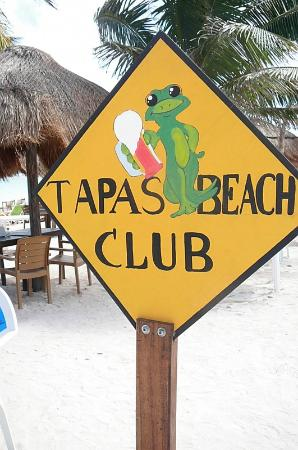 Tapas Bar: Hot beach, cold beers.