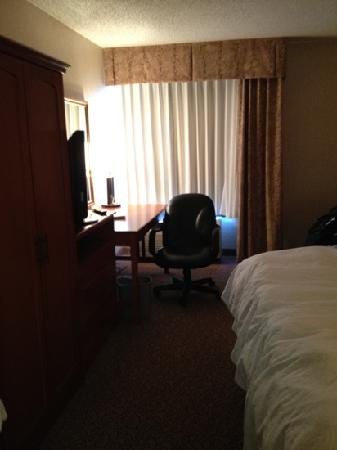 Hyatt Place Minneapolis Airport - South: desk