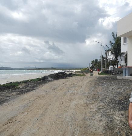 La Casita de la Playa: Casa Isabela the Malecon in front