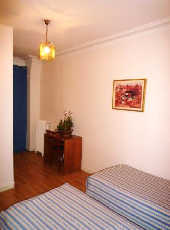 Hotel du Brabant: Bureau en chambre