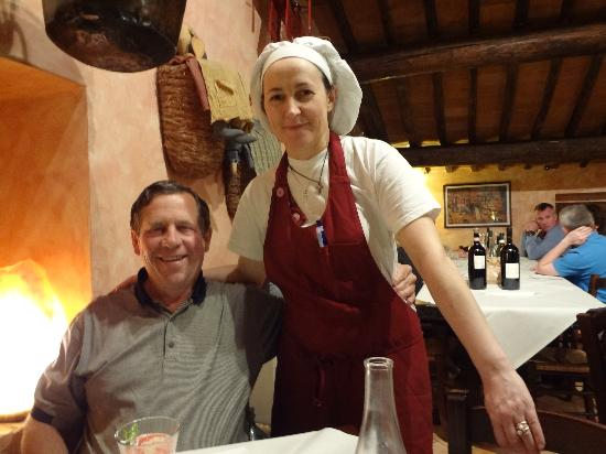 Osteria La Botte Piena: The owner & chef comes out to greet us @ the end of a fabulous meal!