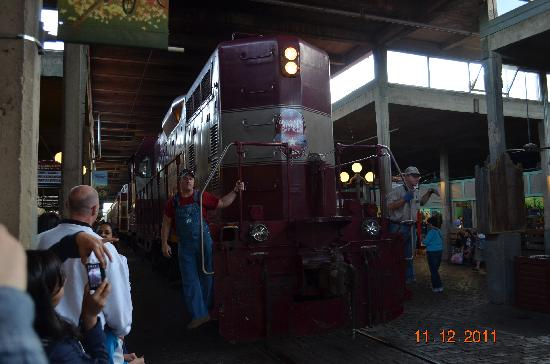 Grapevine Vintage Railroad: Train pulling into Fort Worth Stockyards for the ride home