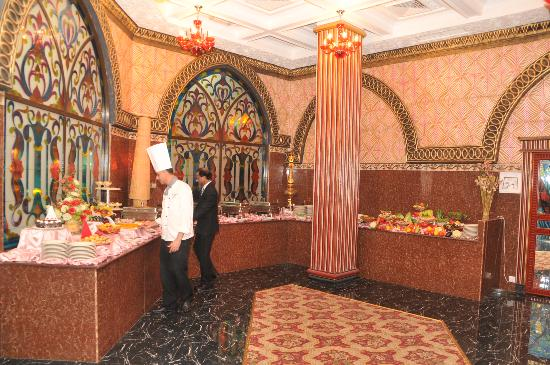 Gulf Gate Hotel: Buffet being served