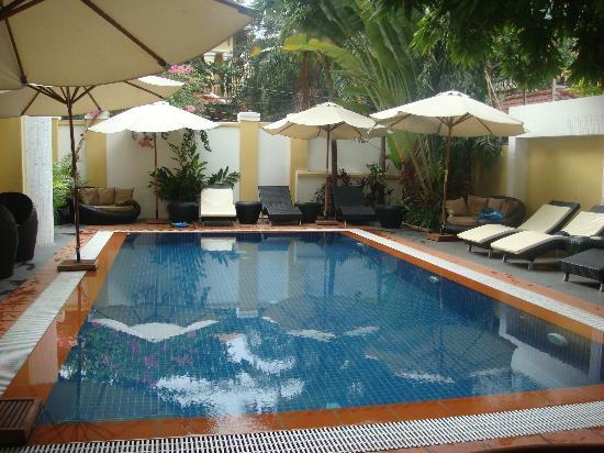 Villa Samnang Boutique Hotel: Swimming pool