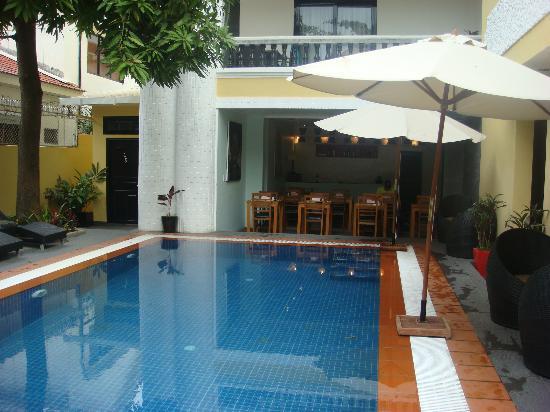 Villa Samnang Boutique Hotel: Pool