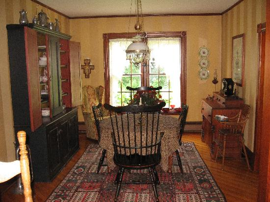 Harrigan House Bed & Breakfast: Breakfast is served at the convenience of our guests