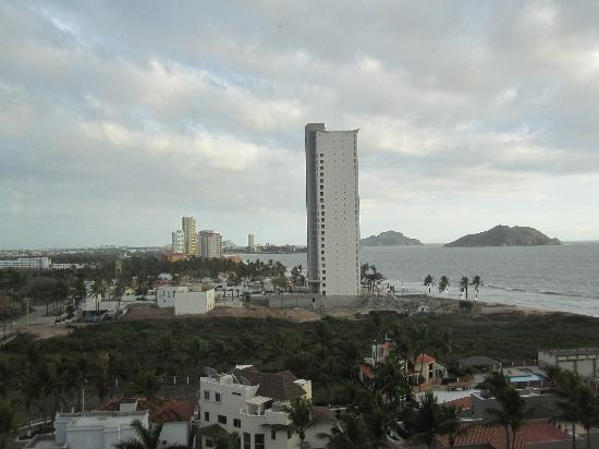 Mayan Palace Mazatlan: View  from our floor