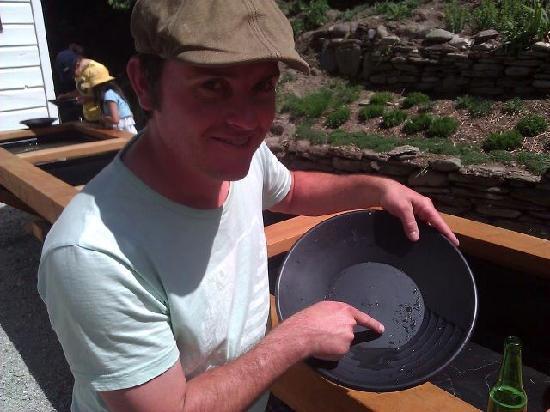 Dudley's Cottage Arrowtown: Gold found!