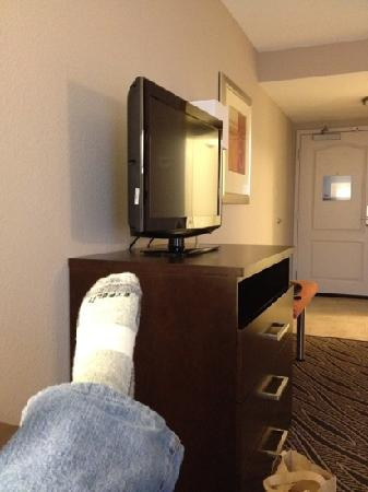 Hampton Inn Evansville Airport: my left foot in my room
