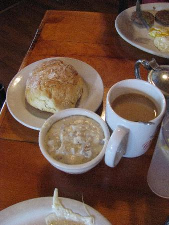 Popi's Place: Gravy and Biscuit