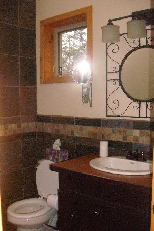 WurHere B&B: I love the bathroom!