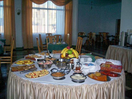 Hotel Escorial: desayuno muy completo