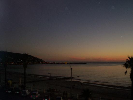 Hotel Escorial: Atardecer desde el balcon