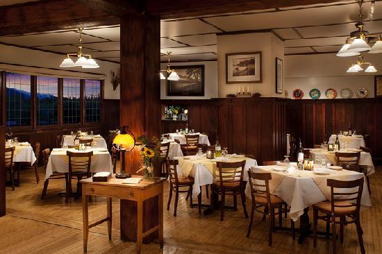 Belton Chalet: Dining Room