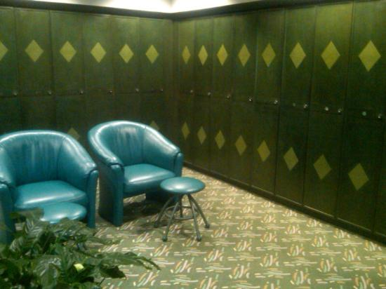 Great Cedar Hotel at Foxwoods: Great Cedar Ladies Locker 2