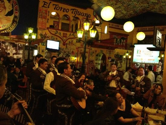 Los Remedios - Tijuana : There are up to FOUR different groups playing music at once