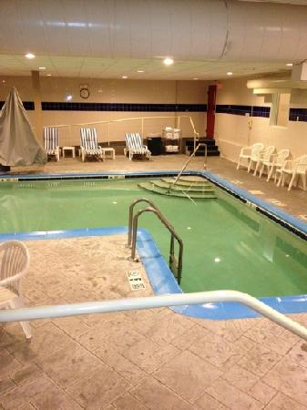 Sleep Inn & Suites : small pool...