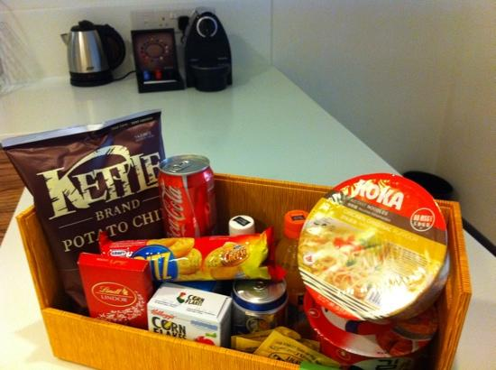 8 on Claymore Serviced Residences: snack food basket with some eaten :)