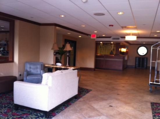 Holiday Inn Express Miami Airport Central-Miami Springs: lobby