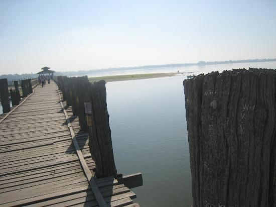 U Bein Bridge: The fairly flat lake and landscape to the right of the Bridge
