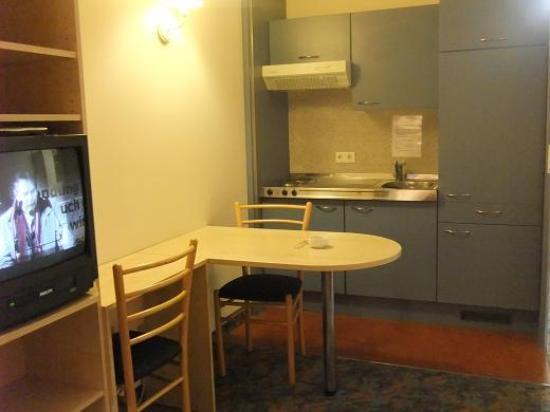 Arion Cityhotel Vienna: 「アパートメント」由来のキッチン