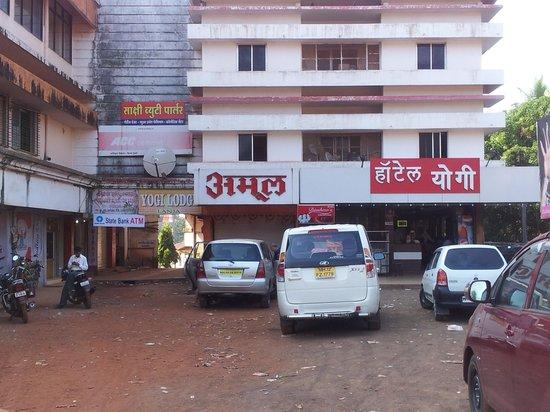 Hotel Yogi : nice bld!!