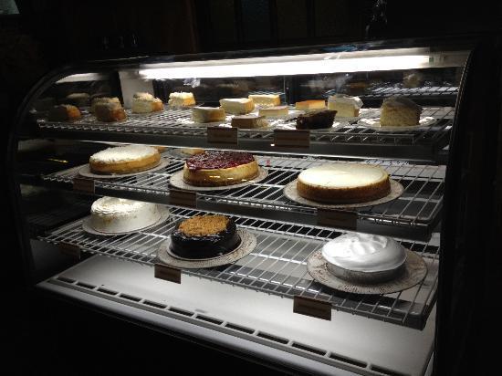 La Espadana: Dessert cabinet