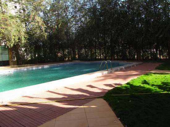 Hotel Massaley: Swimming pool