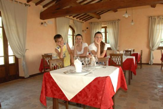 Magliano Sabina, Italia: Ilaria, Eleonora e il fratellino