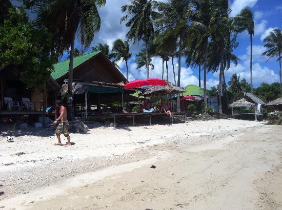 Or-rawarn Resort : the beach bar