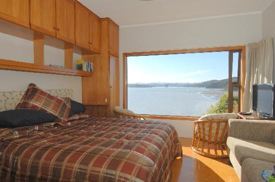 At The Beach B&B: Yachtview master bedroom