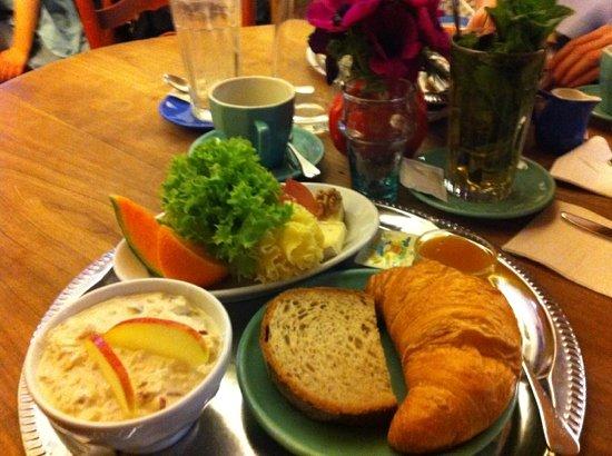 Maison Blunt : breakfast