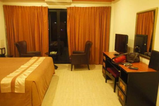 Nova Park Hotel Pattaya: デスク
