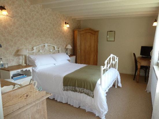 Bluebell Barn: Newly Refurbished Rose room
