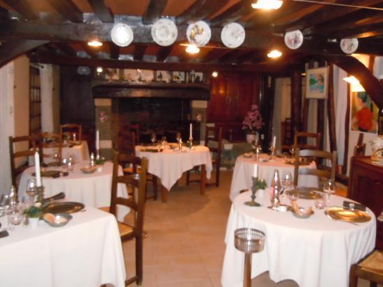 Campigny, France: Salle de  restaurant