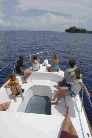 Andaman Bubbles : Getting to a dive site