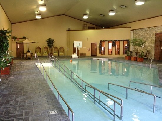 ‪‪Clifty Inn‬: Clifty Inn indoor pool.‬