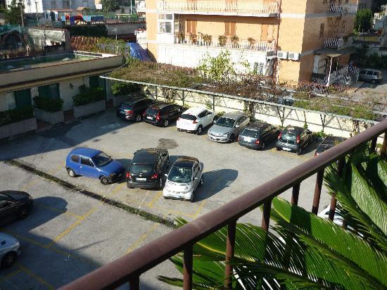Santa Caterina: parcheggio interno hotel