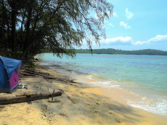 Adventure Charters Cambodia Day Trips: Beach-front camp